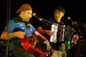 Castanha e Vinovel en concert